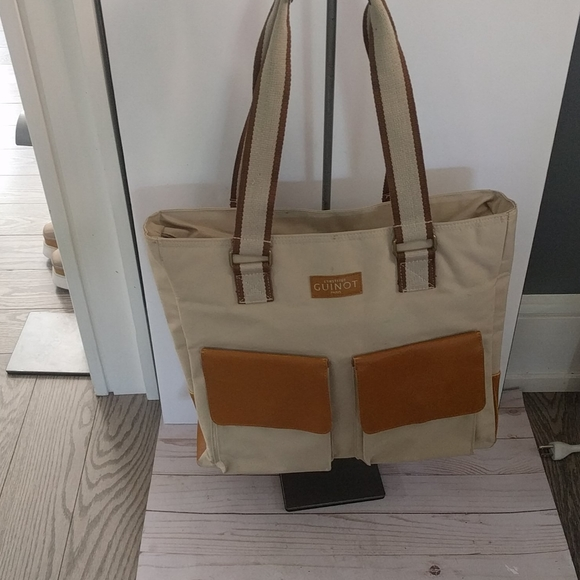 🌺🍀 Beautiful large canvas tote by Guinot Paris🌸